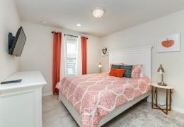 Room2_Suite Orange1